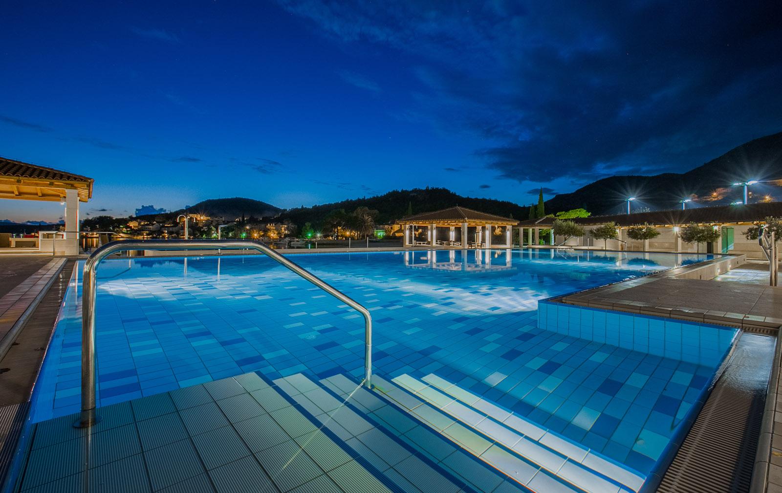 Admiral grand hotel luxury hotel slano dubrovnik for Luxury hotel for less